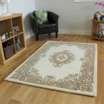 Traditional Cream & Beige Wool Rug – Riga 160x230cm (5'3 x 7'7 )
